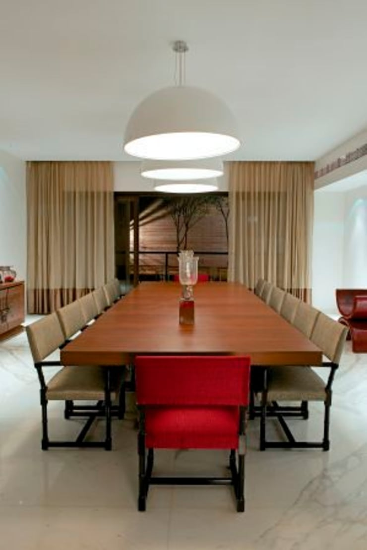 PA Villa :  Dining room by Atelier Design N Domain