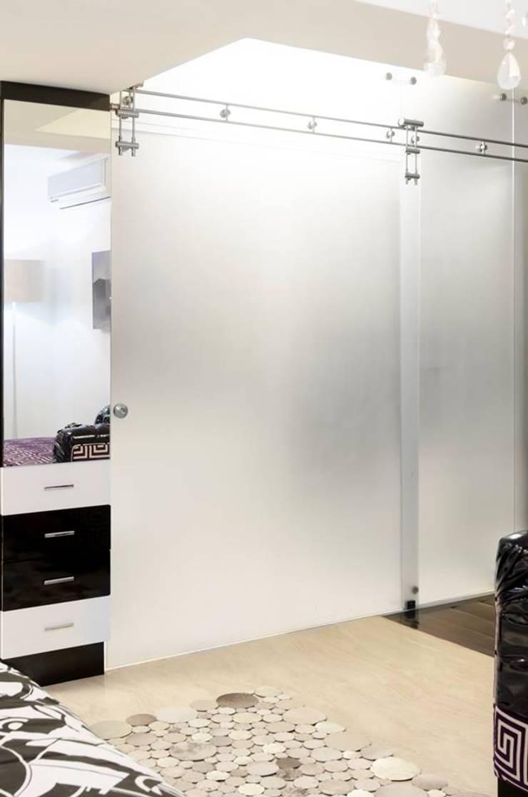 Remodelación de apartamento: Paredes de estilo  por Belhogar Diseños, C.A.