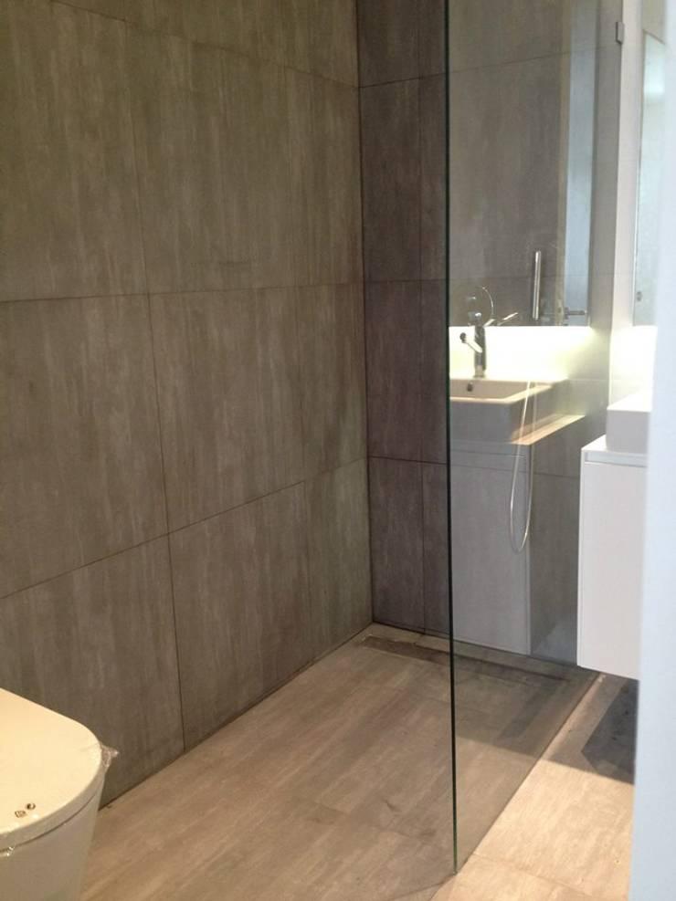 Visconde de Juromenha: Casas de banho  por G.R design