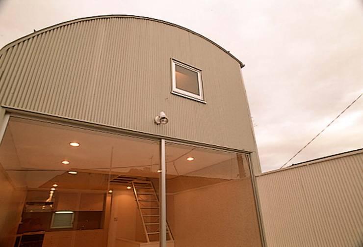 デッキ: 河浩介建築設計室.が手掛けた家です。