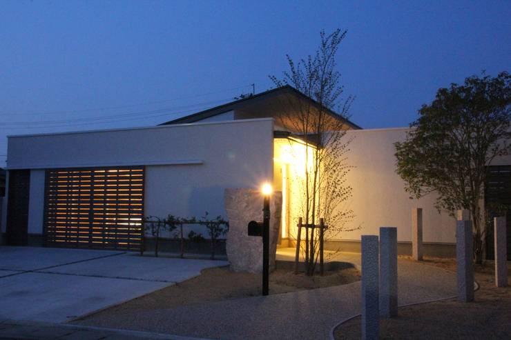 鳴門の家: 一級建築士事務所 Eee works が手掛けた家です。,モダン