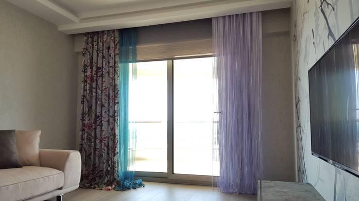 Levent Home Collection – Narlıdere, Oturma Odası Perde Tasarımı ve Uygulaması:  tarz Oturma Odası