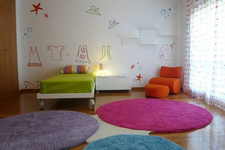 Quartos Criança: Quartos de criança  por Consigo Interiores