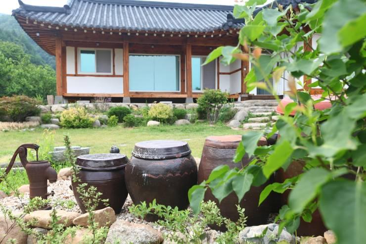 홍천 한옥 리모델링 : Apple Style 의  주택