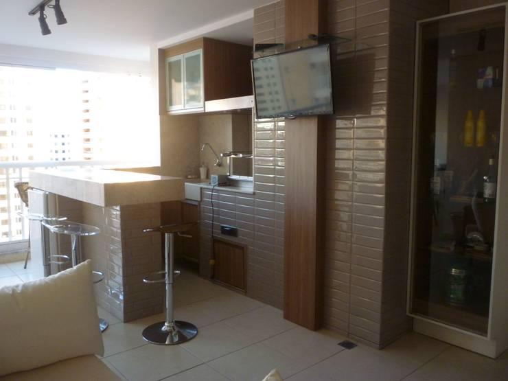 Residência Vale do Paraíba – SP: Terraços  por ANALU ANDRADE - ARQUITETURA E DESIGN
