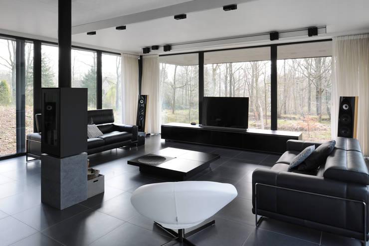 Гостиная в . Автор – Luc Spits Architecture