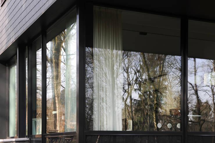 Окна и двери в . Автор – Luc Spits Architecture