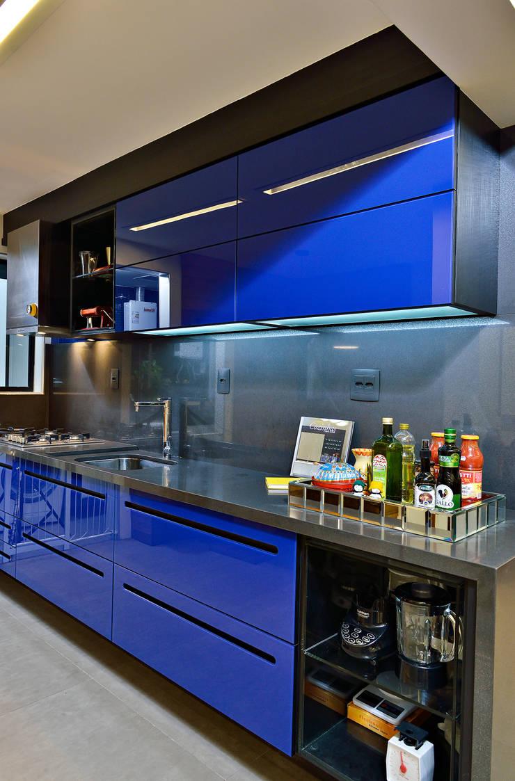 COZINHA: Cozinhas  por Edílson Campelo Arquitetura,