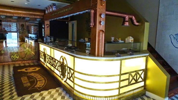 CASA PORTUGUESA DO PASTEL DE BACALHAU: Espaços de restauração  por Darq2 - Arquitetura e Design