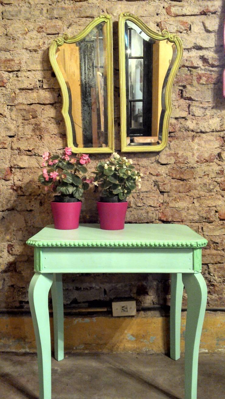 UN TOQUE DE COLOR: Livings de estilo rústico por Muebles eran los de antes - Buenos Aires