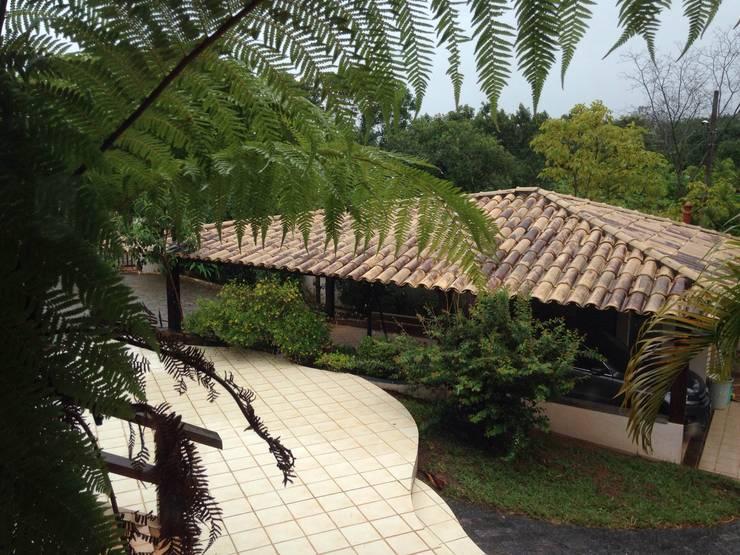 Residência Brasília – DF: Casas  por ANALU ANDRADE - ARQUITETURA E DESIGN,Campestre
