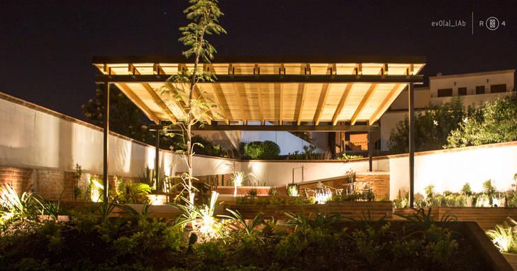 Perspectiva jardín: Jardines de estilo  por Región 4 Arquitectura