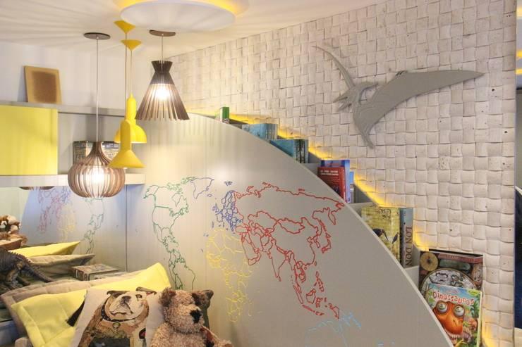 DORMITORIO DO MENINO EXPLORADOR: Quarto infantil  por casulo arquitetura design