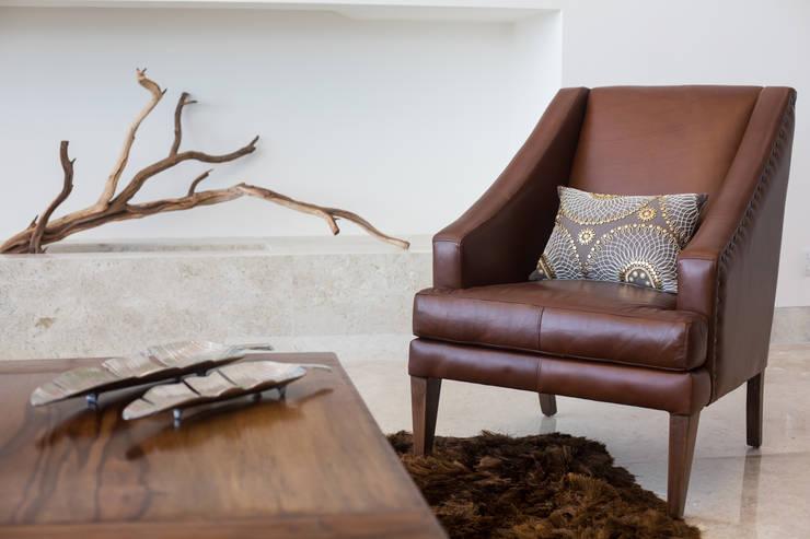 Interiorismo para residencia en Altozano Morelia: Salas de estilo  por Dovela Interiorismo