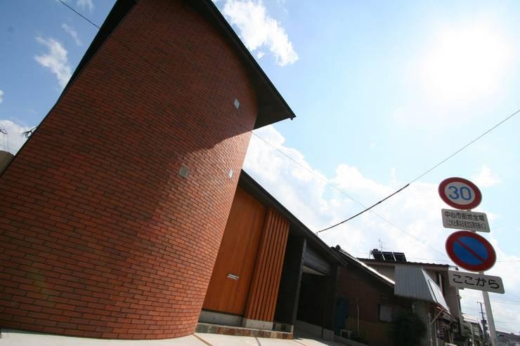 ファサード: 遠藤知世吉・建築設計工房が手掛けた家です。,