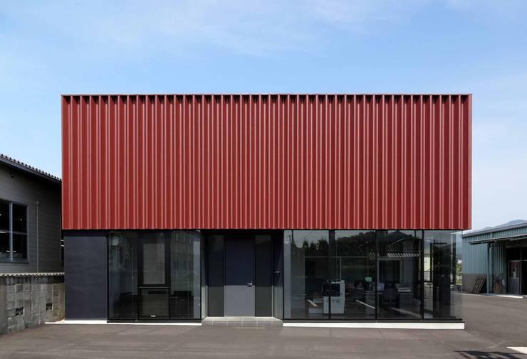 โดย 牧戸建築環境設計事務所 โมเดิร์น