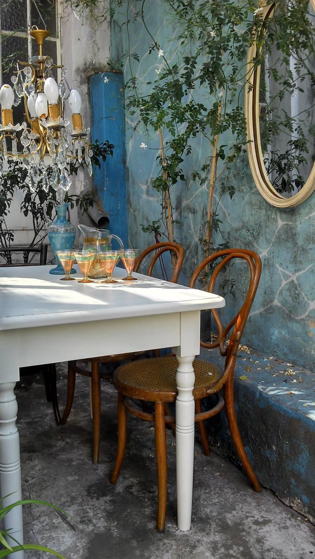 MESA DE CAMPO PATA TORNEADA: Jardines de estilo  por Muebles eran los de antes - Buenos Aires