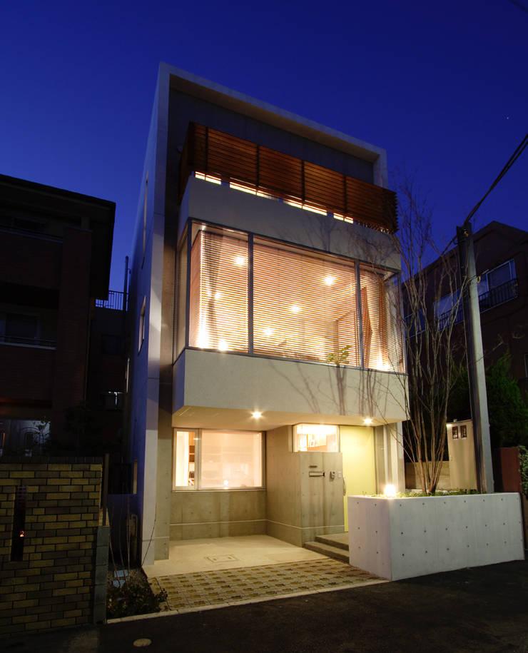 都心の家 N邸: 細江英俊建築設計事務所が手掛けた家です。,