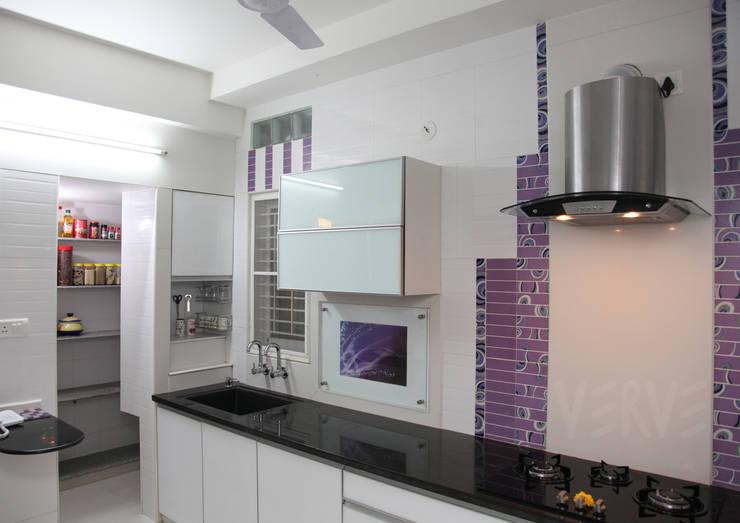 KITCHEN: minimalistic Kitchen by VERVE GROUP