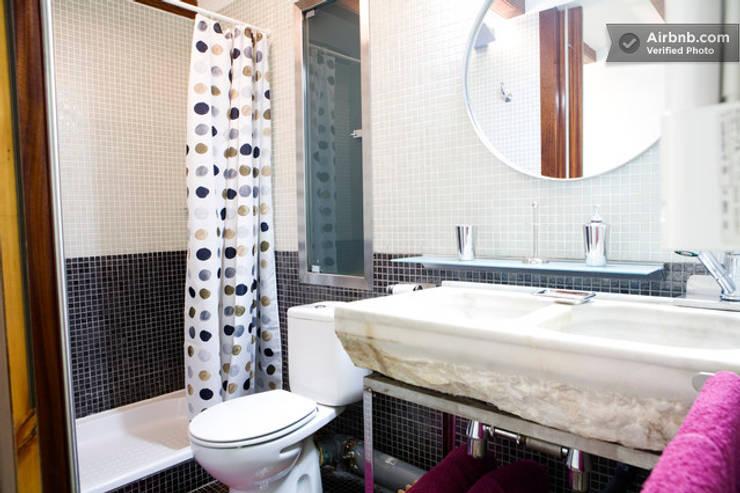 Baño recuperado: colonial Bathroom by Upper Design by Fernandez Architecture Firm