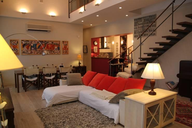 квартира холостяка: Гостиная в . Автор – Circus28_interior,