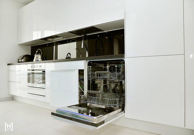 Северное сияние: Кухни в . Автор – Hunter design, Минимализм Пластик