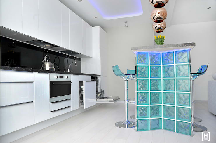 Dapur oleh Hunter design, Minimalis Kaca