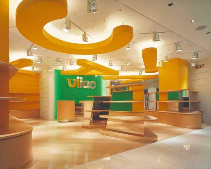 店舗全景 モダンな商業空間 の Guen BERTHEAU-SUZUKI Co.,Ltd. モダン
