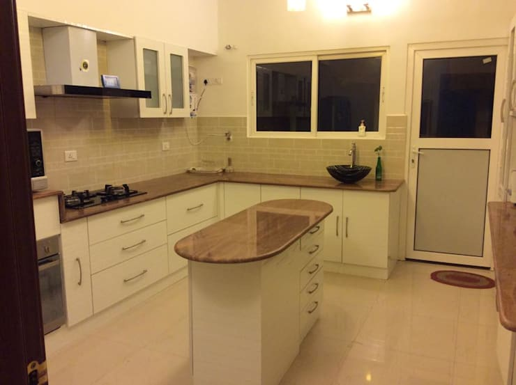 4BHK Home Interior End to End Turnkey Project @ Whitefield Bangalore: asian Kitchen by Dream Designers