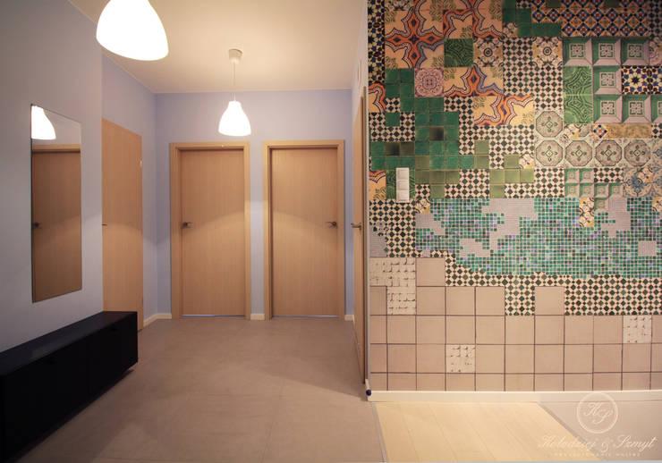 TAIWAN: styl , w kategorii Korytarz, przedpokój zaprojektowany przez Kołodziej & Szmyt Projektowanie wnętrz