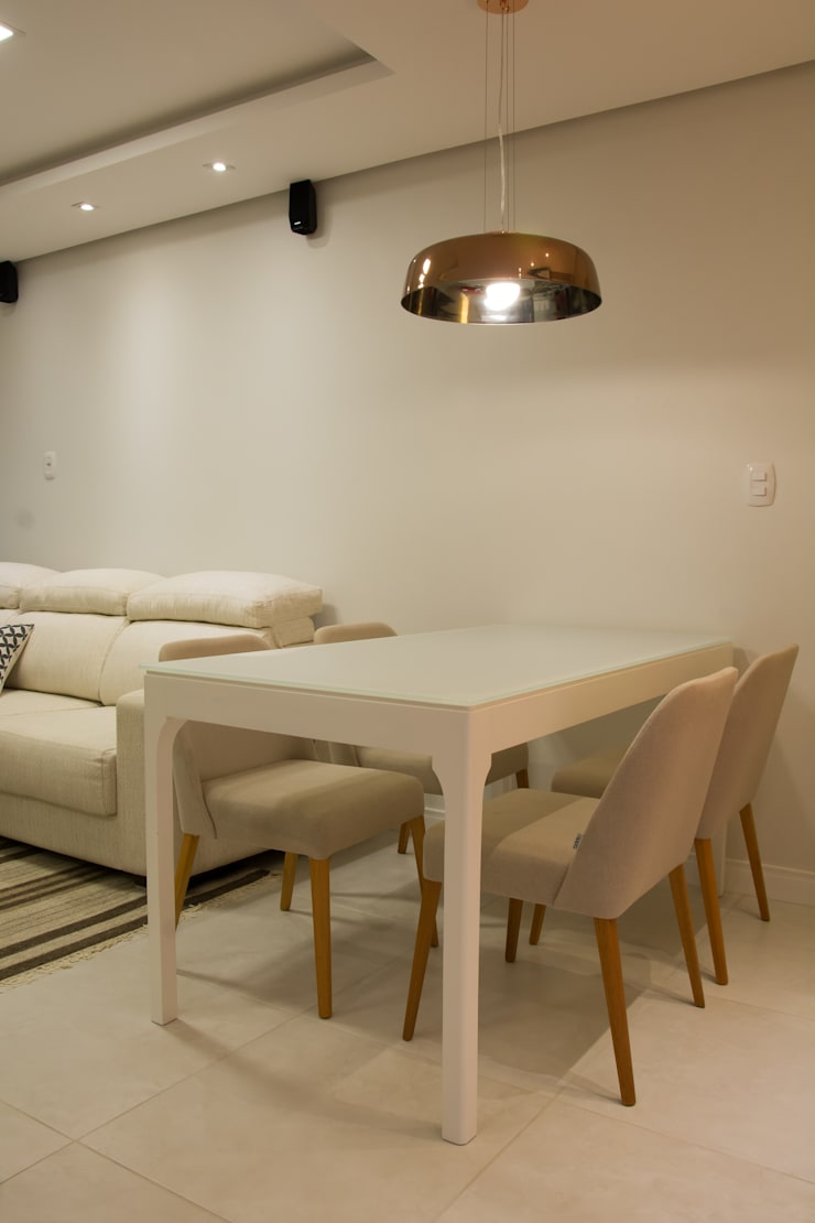 Pequena sala de jantar: Salas de jantar  por ARQ Ana Lore Burliga Miranda