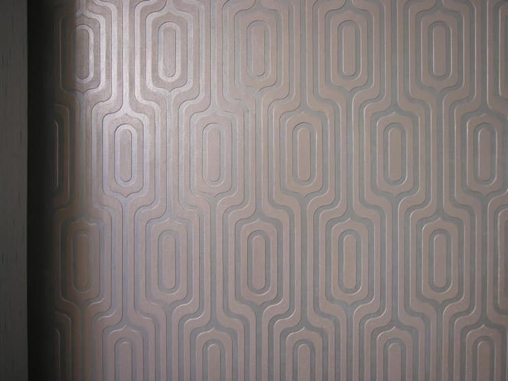 рельефный декор стены геометрическим орнаментом: Гостиная в . Автор – мастерская22