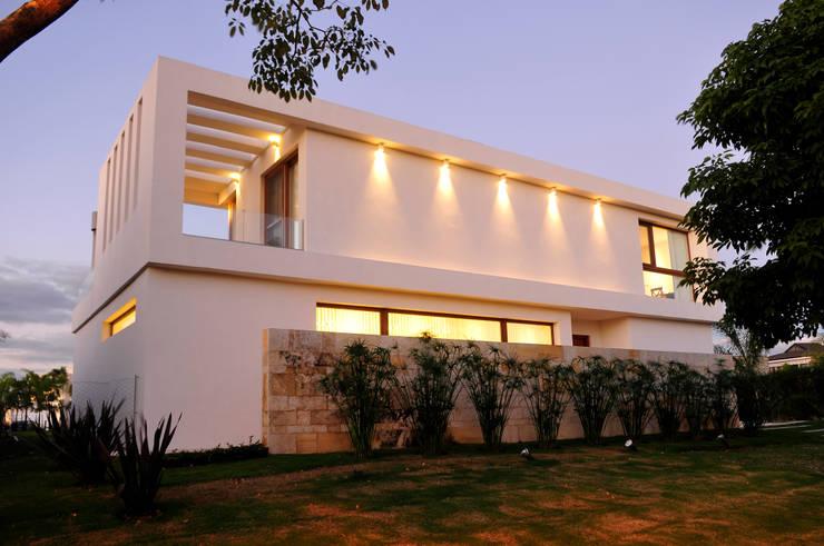 منازل تنفيذ Ramirez Arquitectura