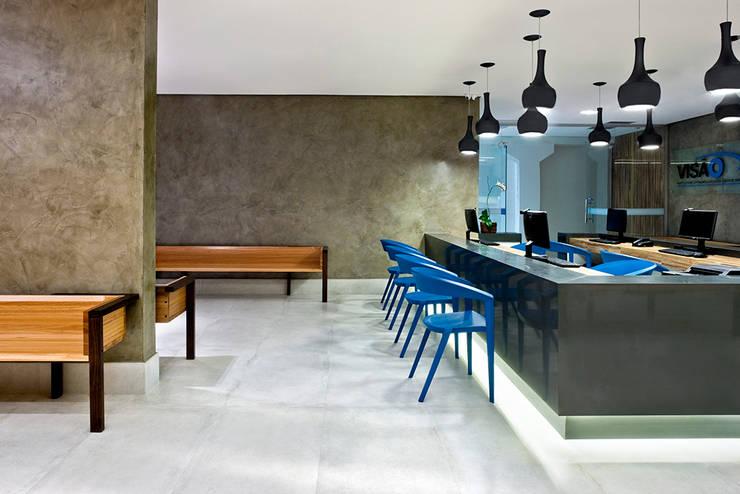 Recepção: Hospitais  por SAINZ arquitetura,Moderno