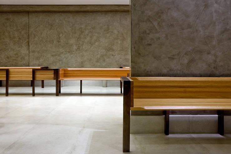 Sala de espera: Hospitais  por SAINZ arquitetura,Moderno