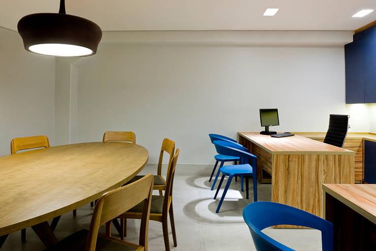 Sala de administração : Hospitais  por SAINZ arquitetura,Moderno