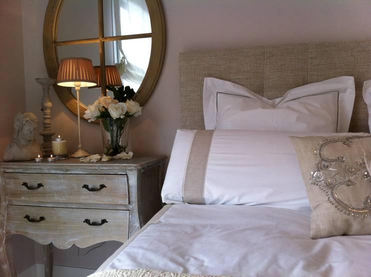 Projekty,  Sypialnia zaprojektowane przez Celia Crego