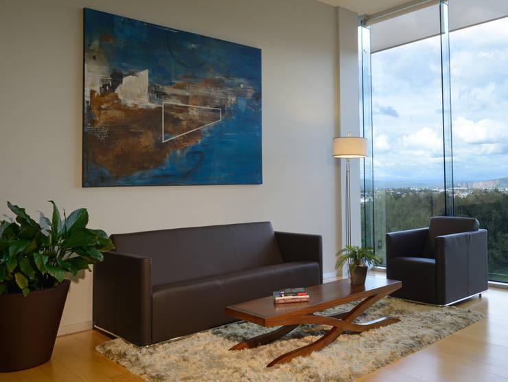 Oficina : Edificios de Oficinas de estilo  por VICTORIA PLASENCIA INTERIORISMO