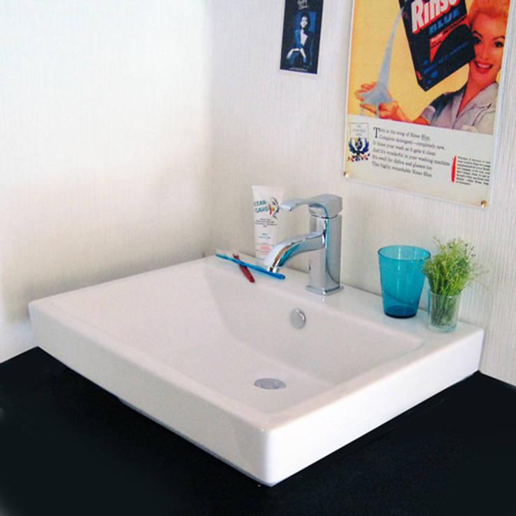 Salle de bain de style  par 株式会社ヤスダプロモーション