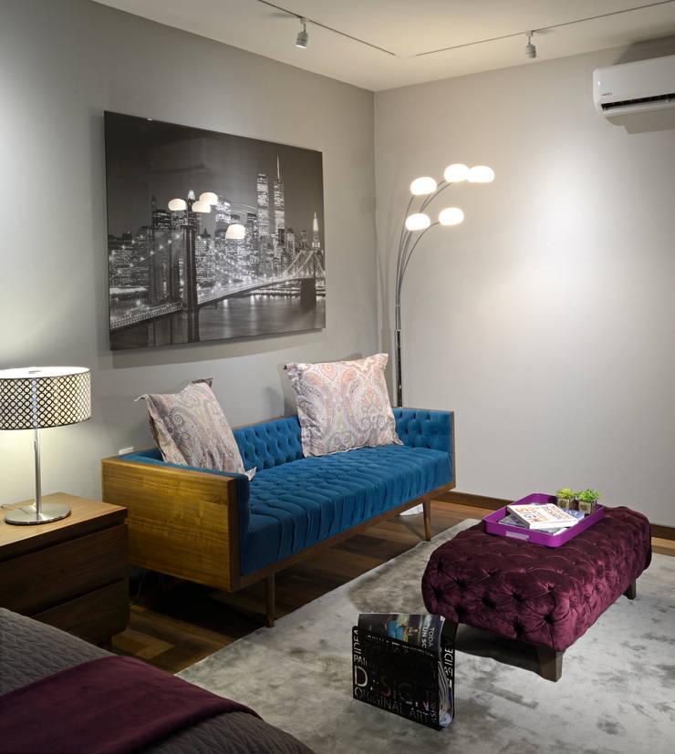 Sala de are de Recamara Juvenil: Salas de estilo  por VICTORIA PLASENCIA INTERIORISMO