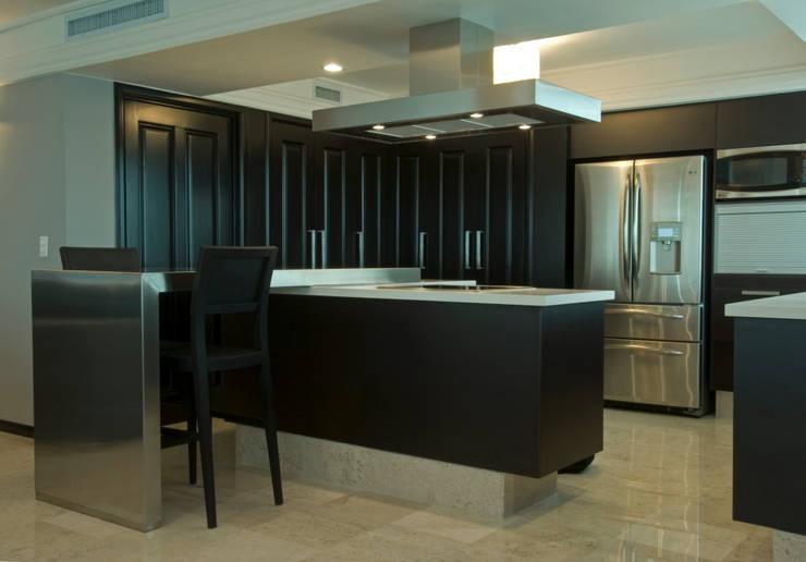 Cocina Cocinas modernas de VICTORIA PLASENCIA INTERIORISMO Moderno