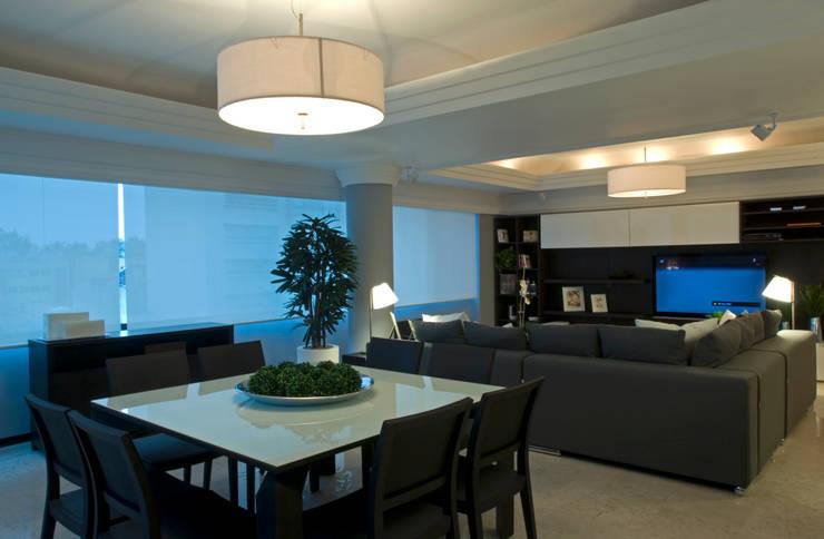 Phòng ăn theo VICTORIA PLASENCIA INTERIORISMO, Hiện đại Gỗ Wood effect