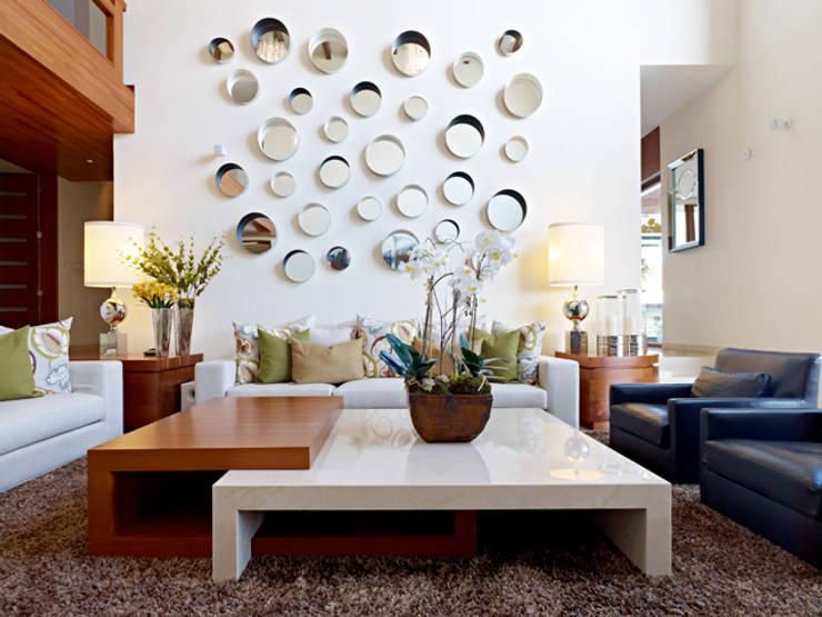 modern Living room تنفيذ VICTORIA PLASENCIA INTERIORISMO
