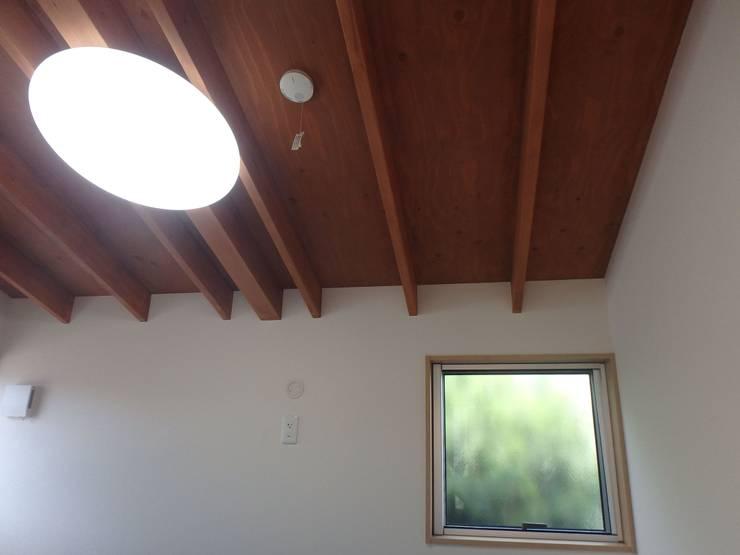 ピアノ室: 一級建築士事務所 鍵山建築設計が手掛けたです。
