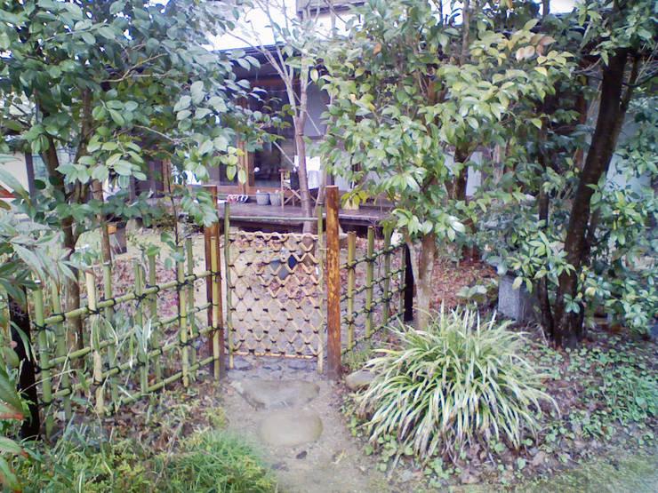 露地: 庭 遊庵が手掛けた庭です。,