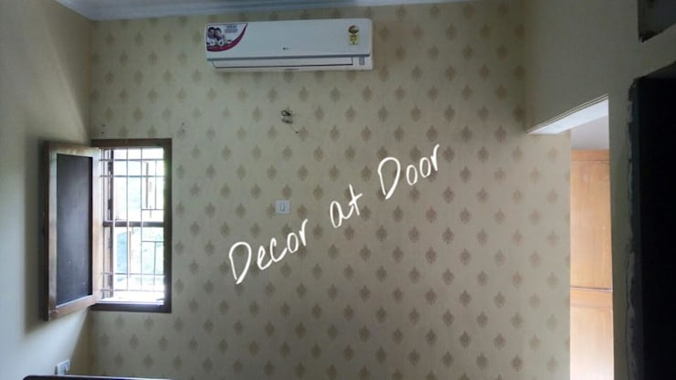 Vasant Kunj Delhi:  Walls & flooring by Decor At Door