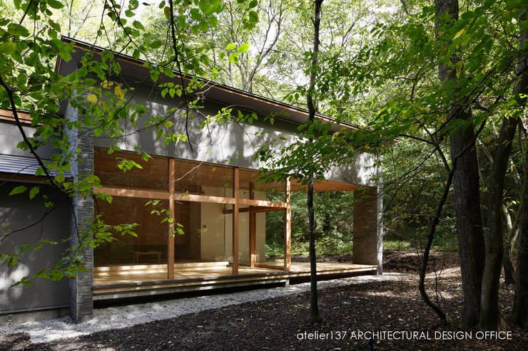 040軽井沢Cさんの家(増築): atelier137 ARCHITECTURAL DESIGN OFFICEが手掛けた家です。