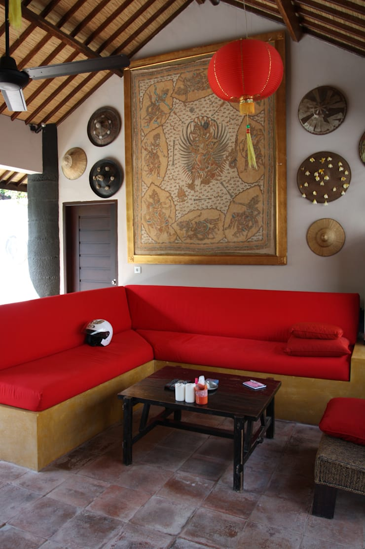 проект реконструкции виллы на о. Бали, 2009: Гостиная в . Автор – PK AID