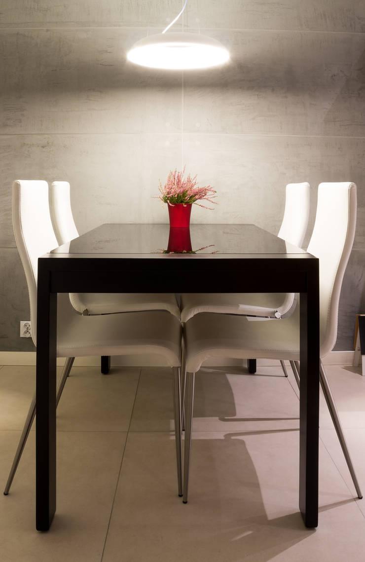 Realizacja wnętrz mieszkania  w Tychach: styl , w kategorii Jadalnia zaprojektowany przez Architekt Adam Wawoczny
