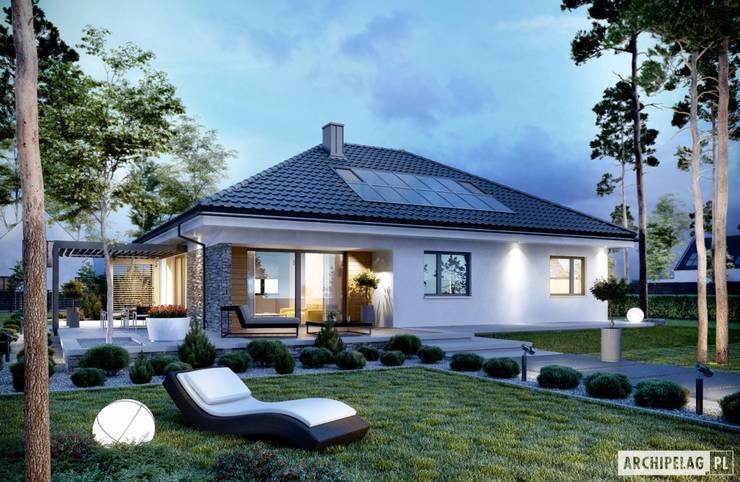 Projekt domu Astrid (mała) G2: styl , w kategorii Domy zaprojektowany przez Pracownia Projektowa ARCHIPELAG